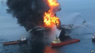 The Deepwater Horizon burns