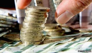 Pound coins and Scottish bank notes