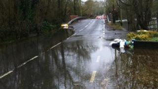 Playhatch Road Sonning flooding