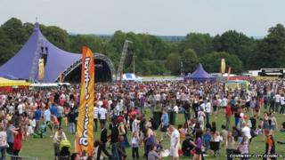 Crowds at the Godiva Festival 2011