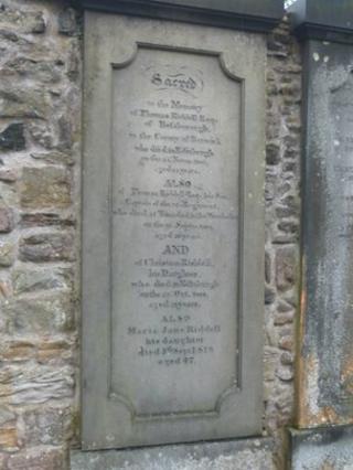 Tom Riddell's grave in Edinburgh