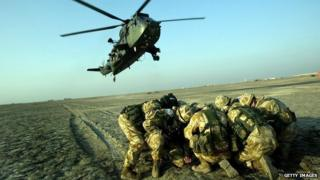 UK paratroopers on exercise in Iraq in 2005