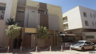 Jordanian embassy in Tripoli (15 April 2014)