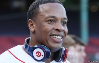 Dr Dre with headphones, 2010