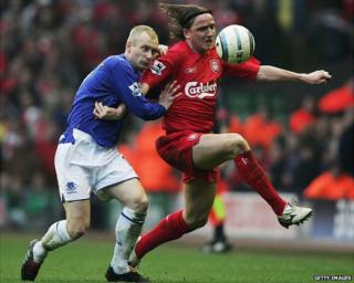 Vladimir Smicer playing for Liverpool, in red strip, 2005