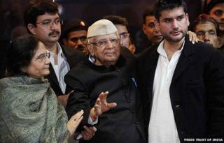 Veteran Congress politician ND Tiwari with Rohit Shekhar after accepting him as his son, at a press conference in New Delhi.