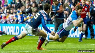 Tommy Seymour scoring for Scotland against France at Murrayfield