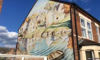 Fresco on Ian Carstairs' home in Bedford