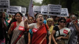 File photo: Members of the All India Democratic Women's Association (AIDWA) shout slogans during a protest against the gang rape of two teenage girls, in New Delhi, India, 31 May 2014