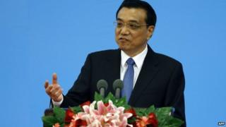 Premier Li Keqiang London visit is likely to boost bilateral trade, papers say