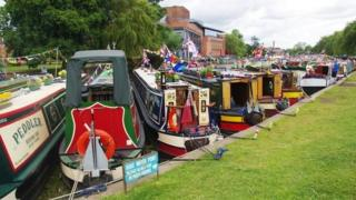 Boats gathered for an Avon Navigation Trust event