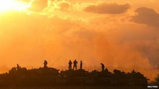Israeli soldiers close to northern Gaza, 18 July