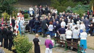 WW1 service of remembrance held in St Peter Port's Sunken Gardens