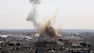 Smoke rises from Rafah, Gaza (8 August 2014)