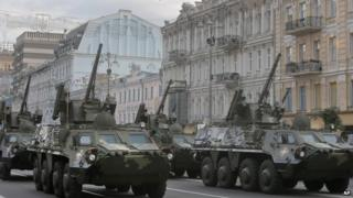 Ukrainian military vehicles prepare for independence day during rehearsals on Saturday in central Kiev (23 August 2014)