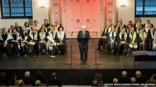 German foreign minister Frank-Walter Steinmeier addresses Wroclaw Jewish congregation
