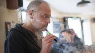 E-cigarette smoker