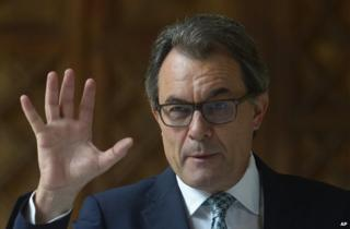 Catalan regional leader Artur Mas speaking in Barcelona, 14 October