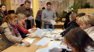 Counting at a polling station in Kiev - 26 October