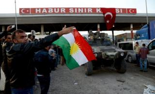 Turkish Kurds welcome Peshmerga fighters crossing from Iraq at Habur crossing (29 Oct)