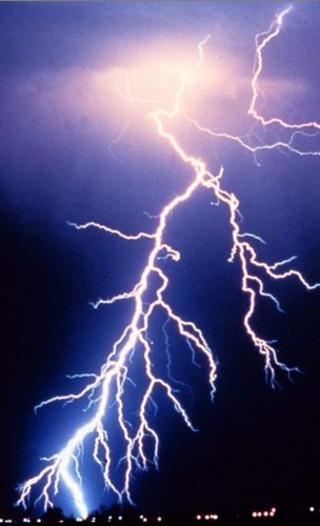 Lightning fork (c) BBC