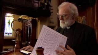 Rowan Williams reads from Arabic text