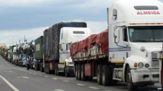 Trucks at the South Africa-Zimbabwe border (Archive shot)