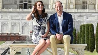 William and Kate pose on Taj Mahal bench