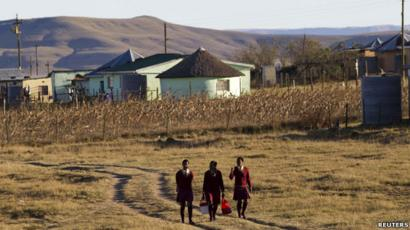 Schoolchildren in Qunu