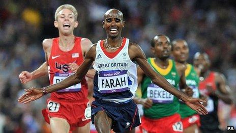Mo Farah winning the 10,000m final