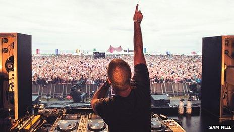 Radio 1's Zane Lowe warms the crowd before Snoop Dogg came on stage
