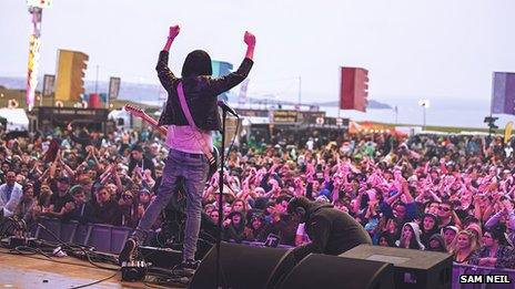 The rain didn't dampen the crowds spirits during The Cribs set