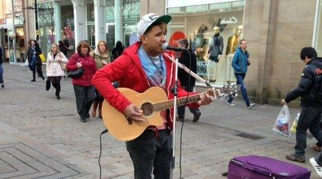 Busker Marcus Akil