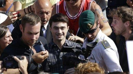 Daniel Radcliffe mobbed by fans