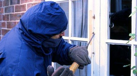 Actor portraying a burglar