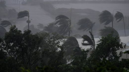 Strong winds and rain lash Airlie Beach, Australia, 28 March 2017.