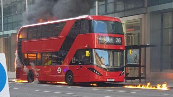 http://ichef.bbci.co.uk/news/555/cpsprodpb/4401/production/_91490471_bus-fire2_kiff.jpg