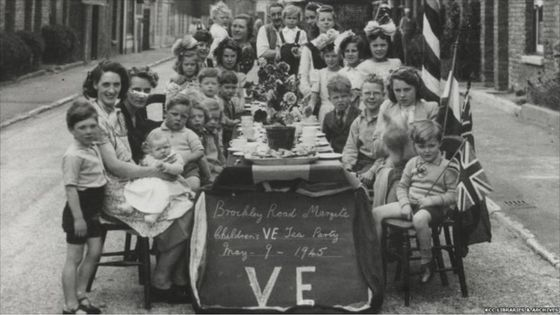 V-E Day: A tempered celebration - Chicago Tribune