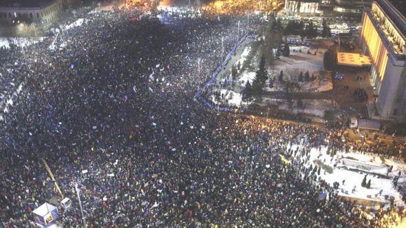 Hàng trăm nghìn người Romania xuống đường hồi tháng 1 để đòi toàn bộ chính phủ từ chức