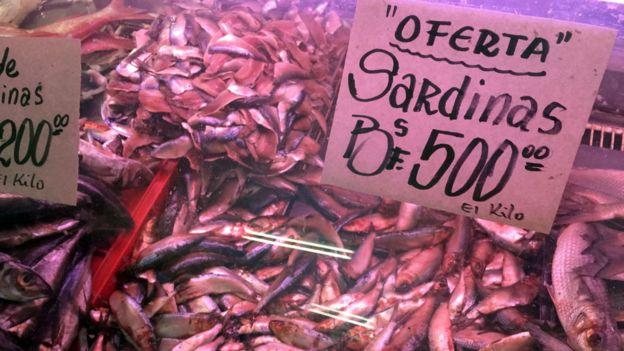 Venta de sardinas en Caracas
