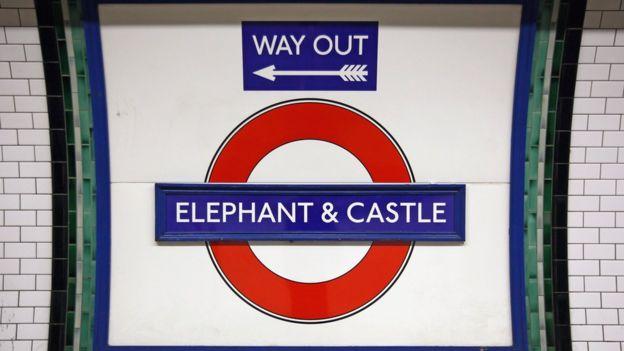 Cartel de la estación de Elephant and Castle