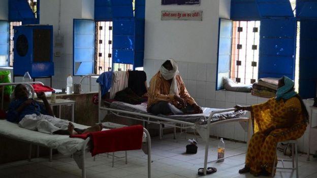 Enfermos en un hospital
