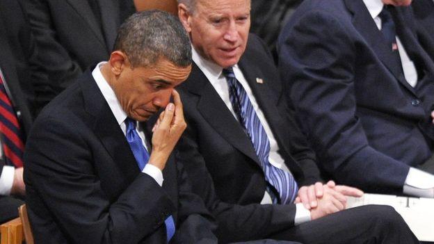 اوباما به همراه جو بایدن معاون ریاست جمهوری