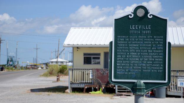 Leeville sign