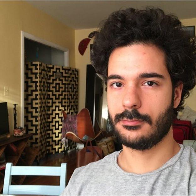 'Quando contei para minha mãe, a primeira reação dela foi perguntar se eu estava cabeludo e barbudo naquele dia'
