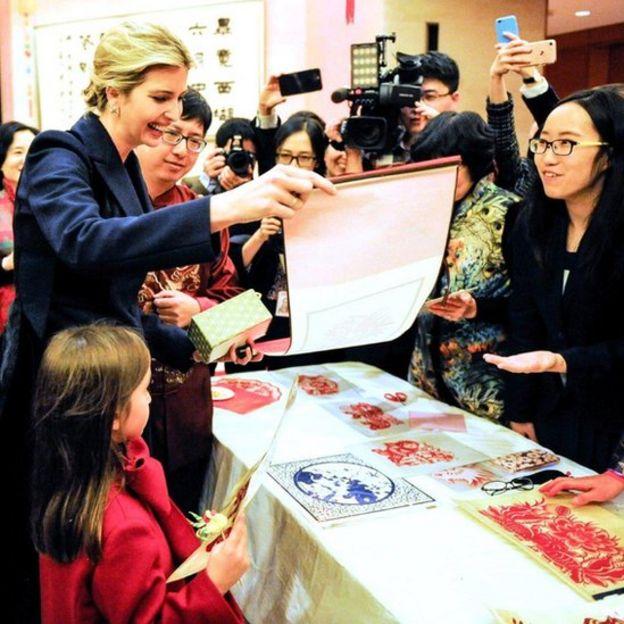 Ivanka Trump, con gái Tổng thống Mỹ, đã đến dự lễ mừng Năm mới Nguyên Đán ở Đại sứ quán Trung Quốc, Washington, D.C. hôm 1/02/2017.