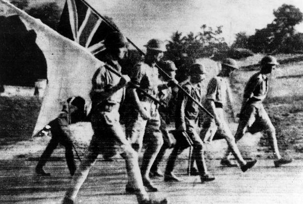 British troops surrender in Singapore, 1942