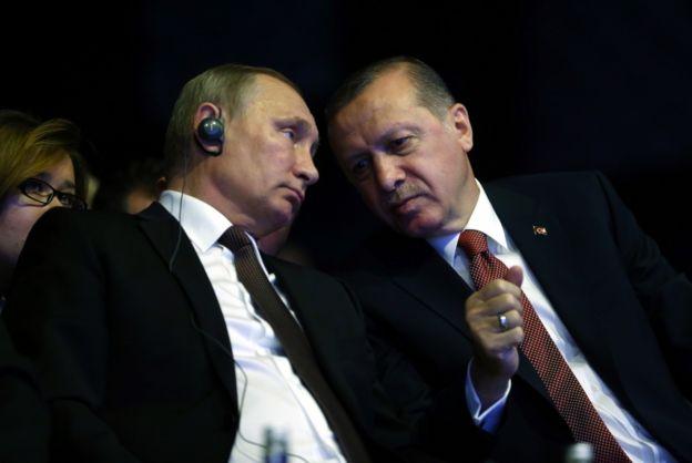 O primeiro-ministro turco Erdogan é um dos novos aliados de Putin.