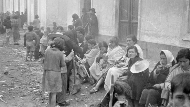 Las únicas fotos de la Desbandá se expondrán hasta el 2 de abril en el Centro Cultural Conde Duque de Madrid.