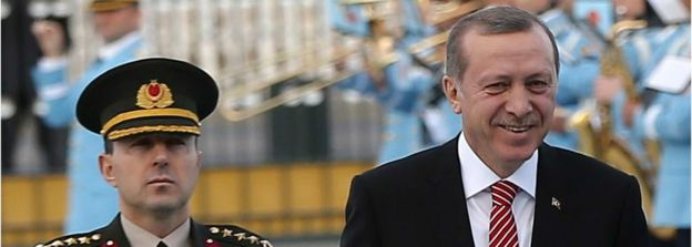 President Recep Tayyip Erdogan (R) with former aide-de-camp Ali Yazici (file pic March 2016)